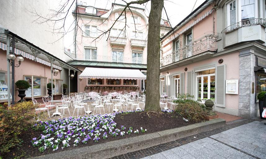 cafe k nig baden baden caf bistro caf s by gastraum. Black Bedroom Furniture Sets. Home Design Ideas